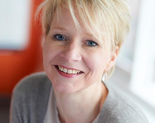 Dr. Manon Ruijters